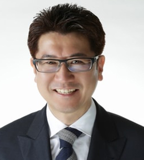 Aki Yoshida Master Tech for Full Mouth Reconstruction